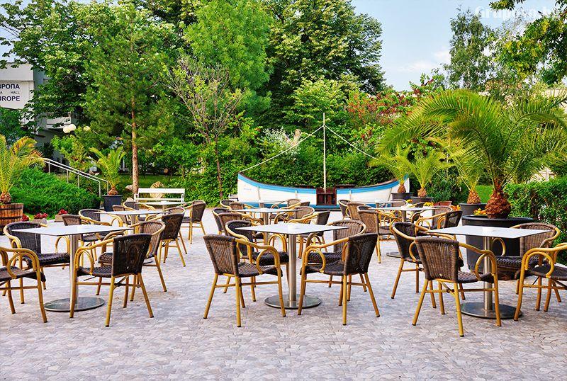 Нощувка за двама, трима или четирима със закуска + ТОПЛИ минерални басейни и джакузи в хотел Аугуста, Хисаря, снимка 19