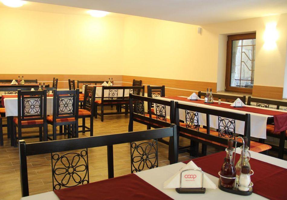Коледа в Пампорово! 3 или 4 нощувки на човек със закуски, обеди и вечери, едната празнична + басейн и релакс зона от КООП Рожен, снимка 18