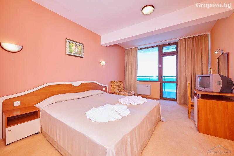 Нощувка на човек в едноспален или двуспален апартамент със закуска и вечеря* + релакс зона от хотел Св. Св. Петър и Павел***, Поморие, снимка 10