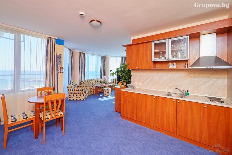 Нощувка на човек в едноспален или двуспален апартамент със закуска и вечеря* + релакс зона от хотел Св. Св. Петър и Павел***, Поморие, снимка 9