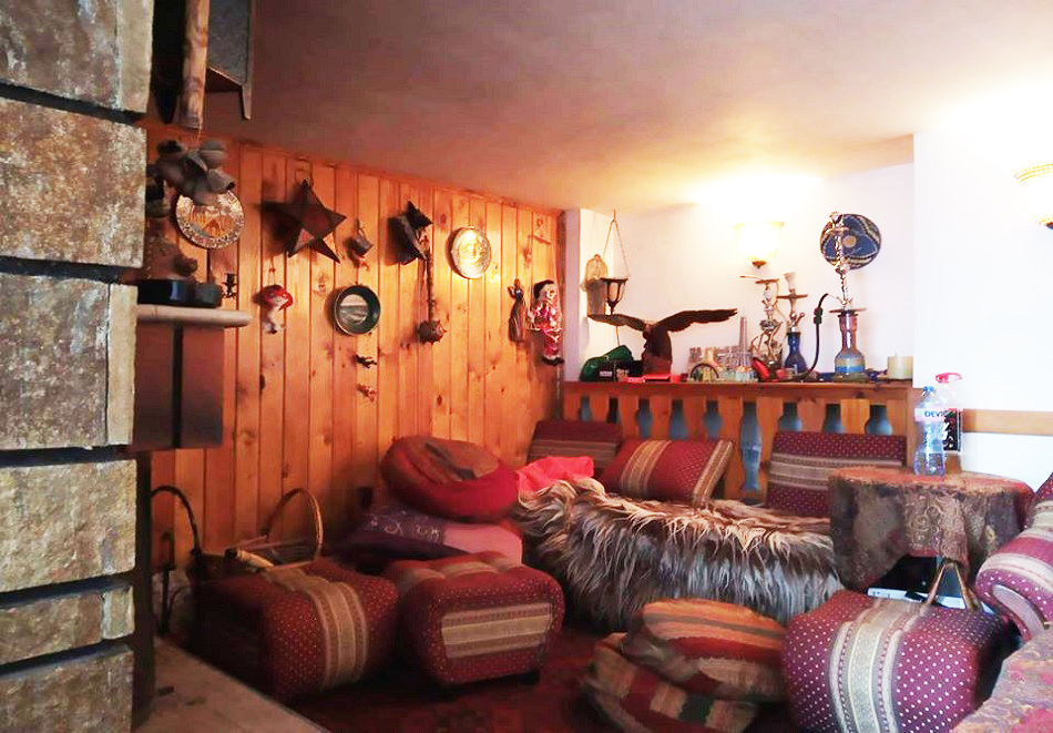 Лято в Пампорово. Нощувка на човек със закуска + джакузи само за 19.90 лв. в Хотел Елица, снимка 7