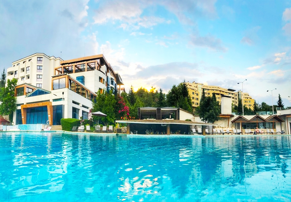 Нощувка на човек със закуска и вечеря + минерален басейн и СПА пакет в хотел Медите СПА Резорт*****, Сандански, снимка 3