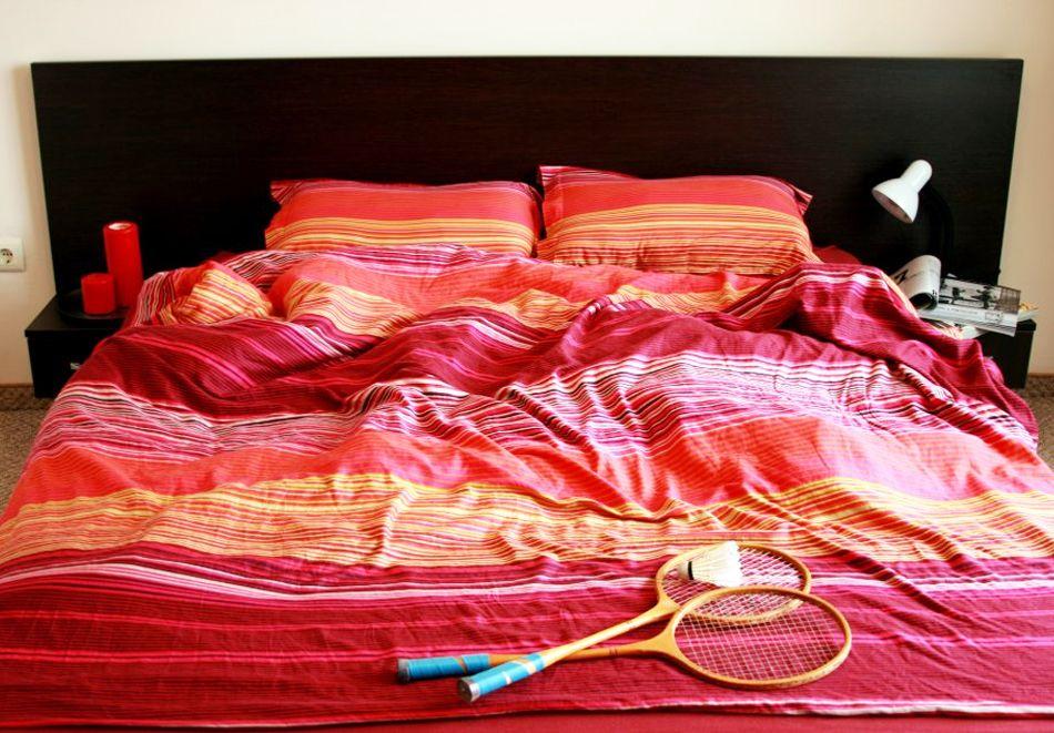 Коледа в Банско! Нощувка на човек със закуска* и вечеря* и празничен куверт по желание + басейн и релакс център в комплекс Банско Роял Тауърс., снимка 4