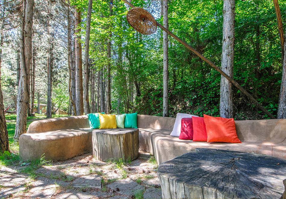Нощувка със закуска за четирима в къщичка направена от камък, глина и дърво в Еко селище, Омая, с. Гайтаниново, снимка 13
