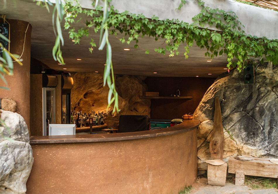Нощувка със закуска за двама в къщичка направена от камък, глина и дърво в Еко селище, Омая, с. Гайтаниново, снимка 22