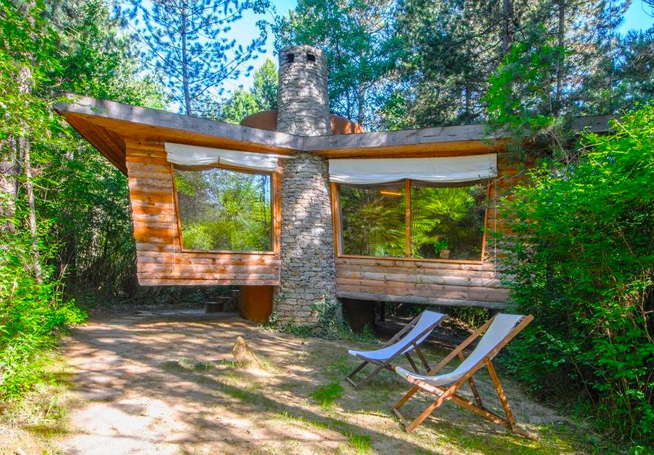 Нощувка със закуска за двама в къщичка направена от камък, глина и дърво в Еко селище, Омая, с. Гайтаниново, снимка 4