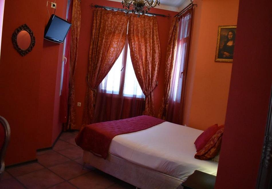 Нощувка за ДВАМА в центъра на Пловдив в хотел Елит Палас, снимка 3
