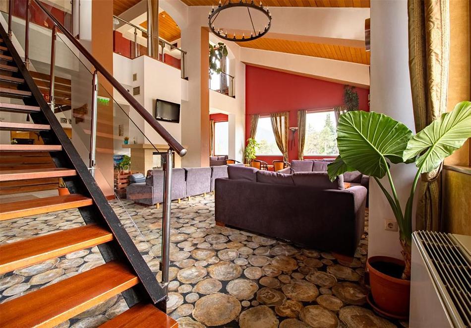 Нощувка на човек със закуска и вечеря + релакс зона и басейн в хотел Бор, Семково, снимка 16