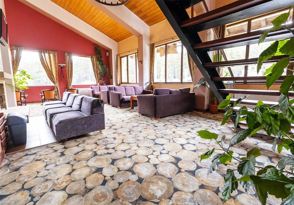 Нощувка на човек със закуска и вечеря + релакс зона и басейн в хотел Бор, Семково, снимка 19