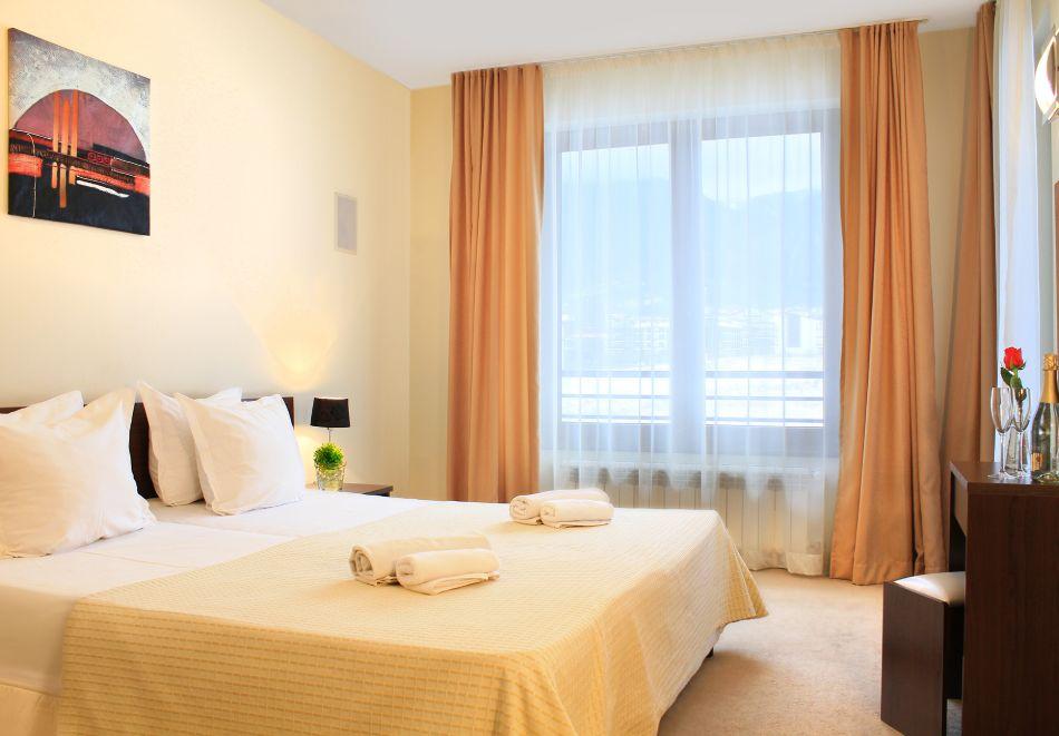 Нощувка на човек със закуска + вътрешен отопляем басейн и СПА зона от Мурите Клуб Хотел, до Банско, снимка 16