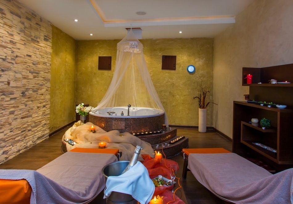 Нощувка на човек със закуска + вътрешен отопляем басейн и СПА зона от Мурите Клуб Хотел, до Банско, снимка 8
