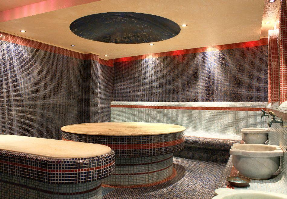 Нова година до Банско! 3 нощувки на човек със закуски и вечери, едната празнична + топъл басейн и СПА зона от Мурите Клуб Хотел, снимка 9