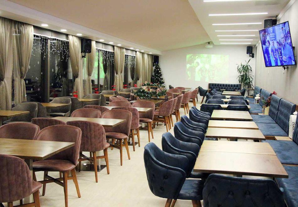Нова година до Банско! 3 нощувки на човек със закуски и вечери, едната празнична + топъл басейн и СПА зона от Мурите Клуб Хотел, снимка 22
