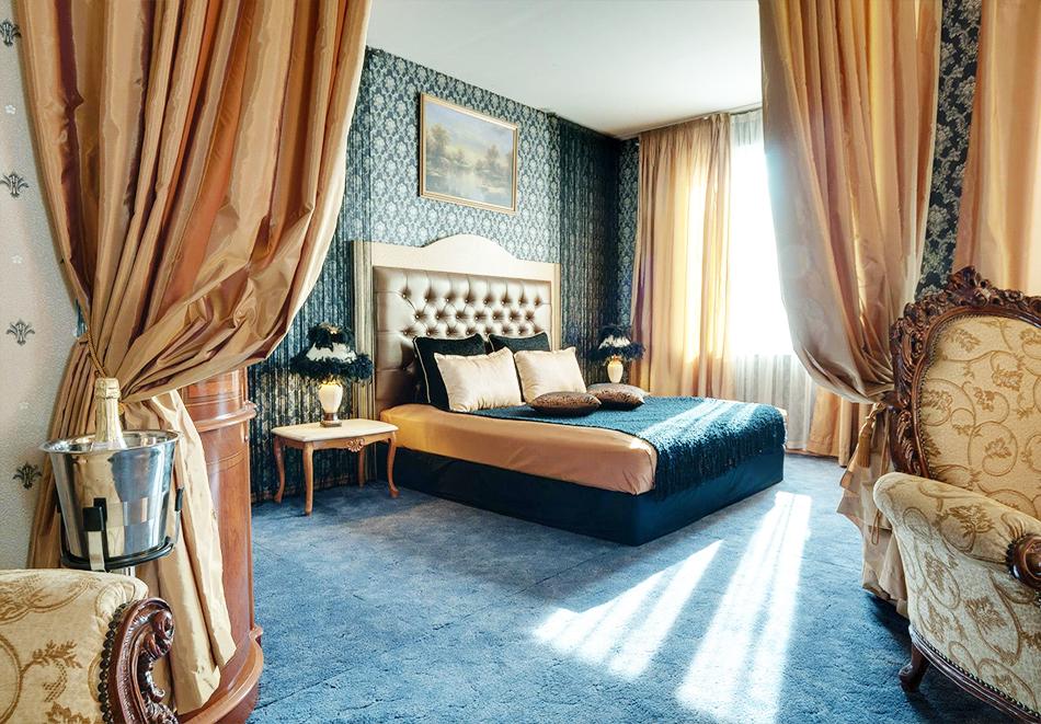 Нощувка на човек + топъл минерален басейн и релакс зона в хотел Бац****, Петрич, снимка 6
