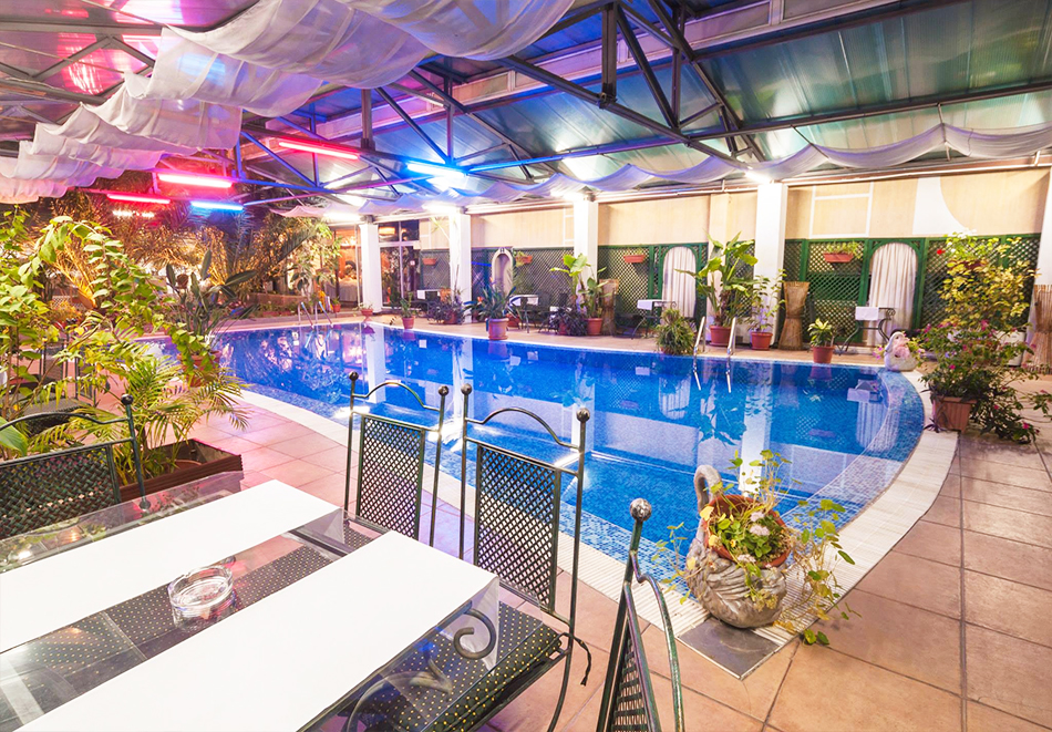 Нощувка на човек + топъл минерален басейн и релакс зона в хотел Бац****, Петрич, снимка 10