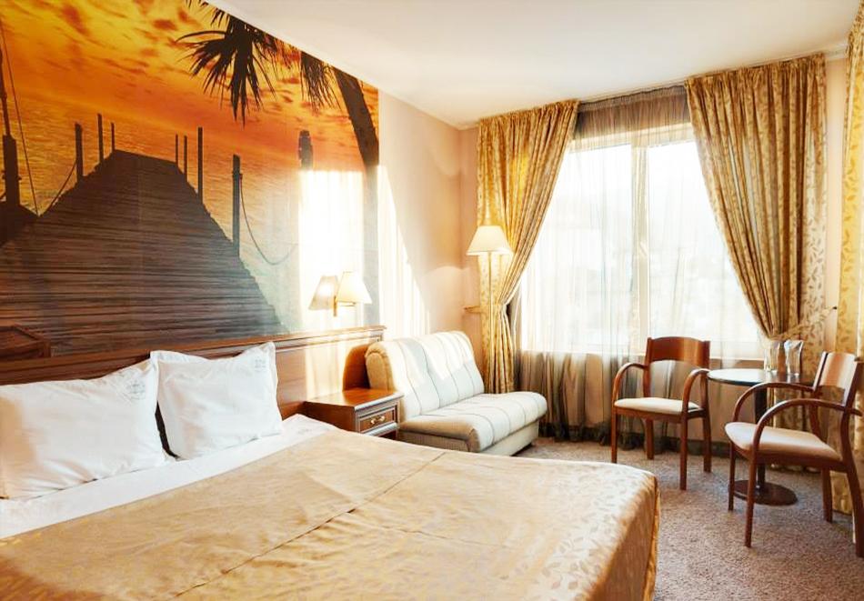 Нощувка на човек + топъл минерален басейн и релакс зона в хотел Бац****, Петрич, снимка 5
