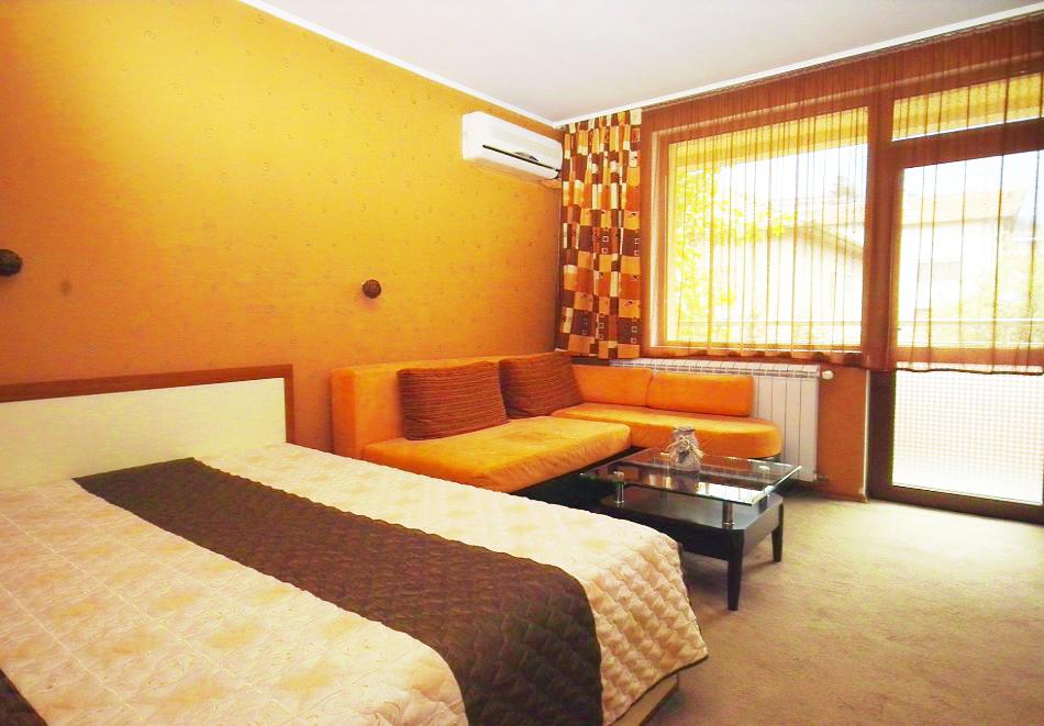 2 + нощувки на човек със закуски и вечери + минерален басейн и парна баня от хотел Жери, Велинград, снимка 8