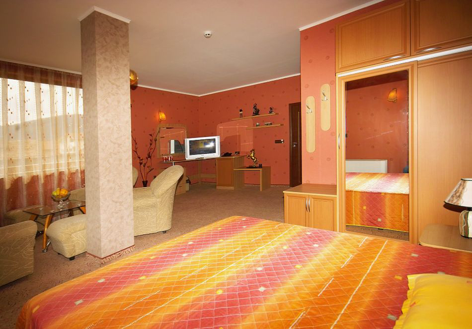 2 + нощувки на човек със закуски и вечери + минерален басейн и парна баня от хотел Жери, Велинград, снимка 9