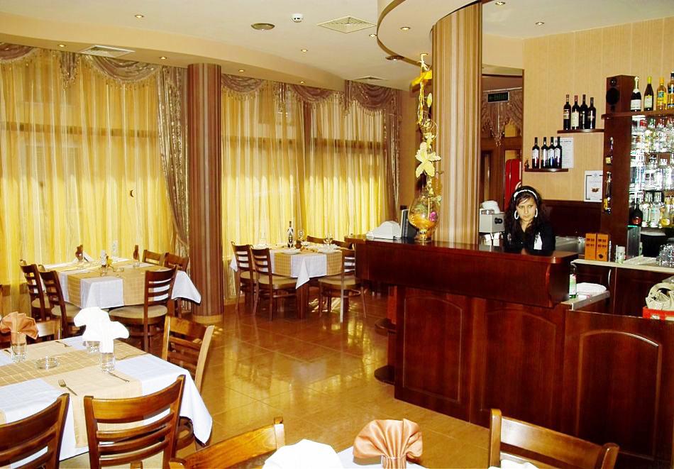 2 + нощувки на човек със закуски и вечери + минерален басейн и парна баня от хотел Жери, Велинград, снимка 14