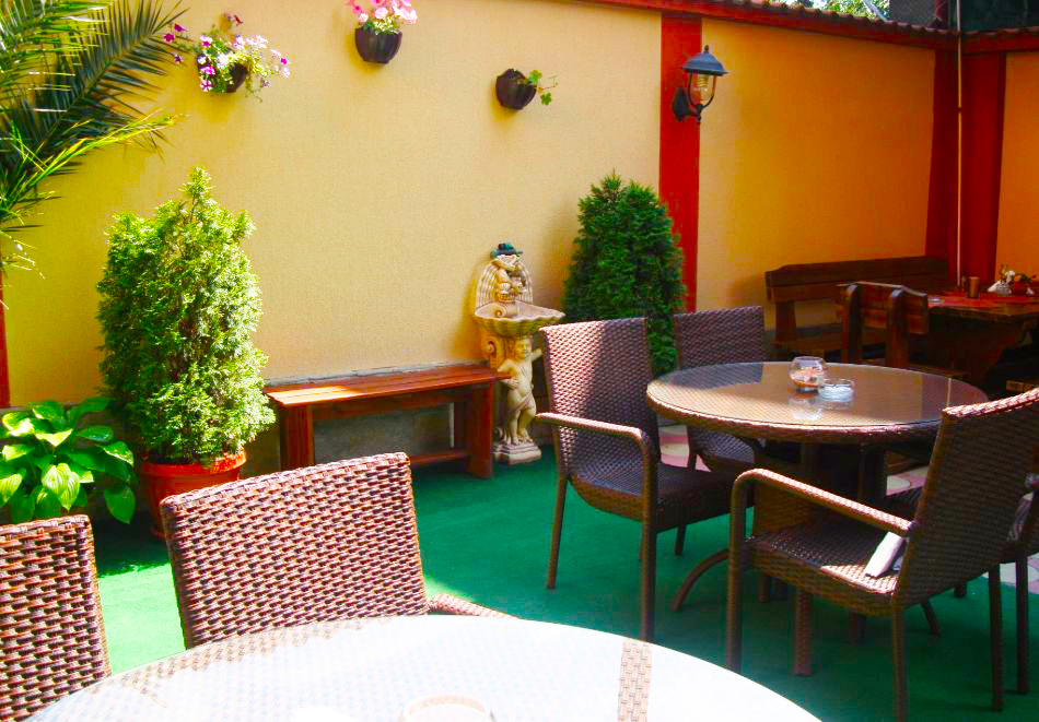 2 + нощувки на човек със закуски и вечери + минерален басейн и парна баня от хотел Жери, Велинград, снимка 11