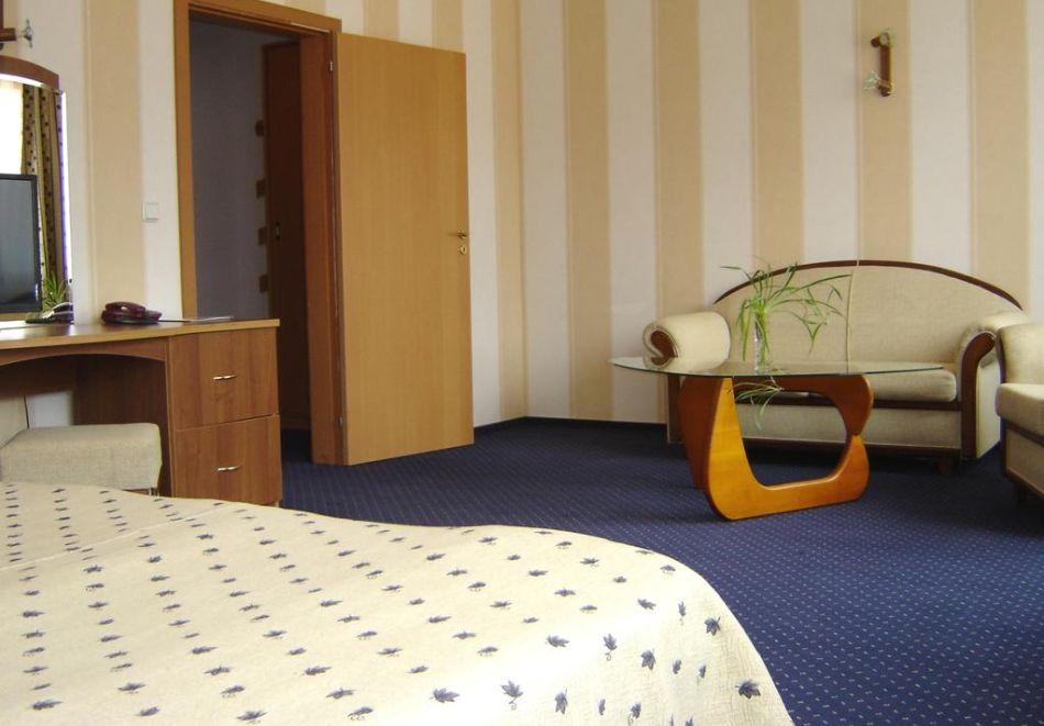 На ски в Пампорово. Нощувка на човек със закуска и вечеря + басейн в хотел Финландия****, снимка 6