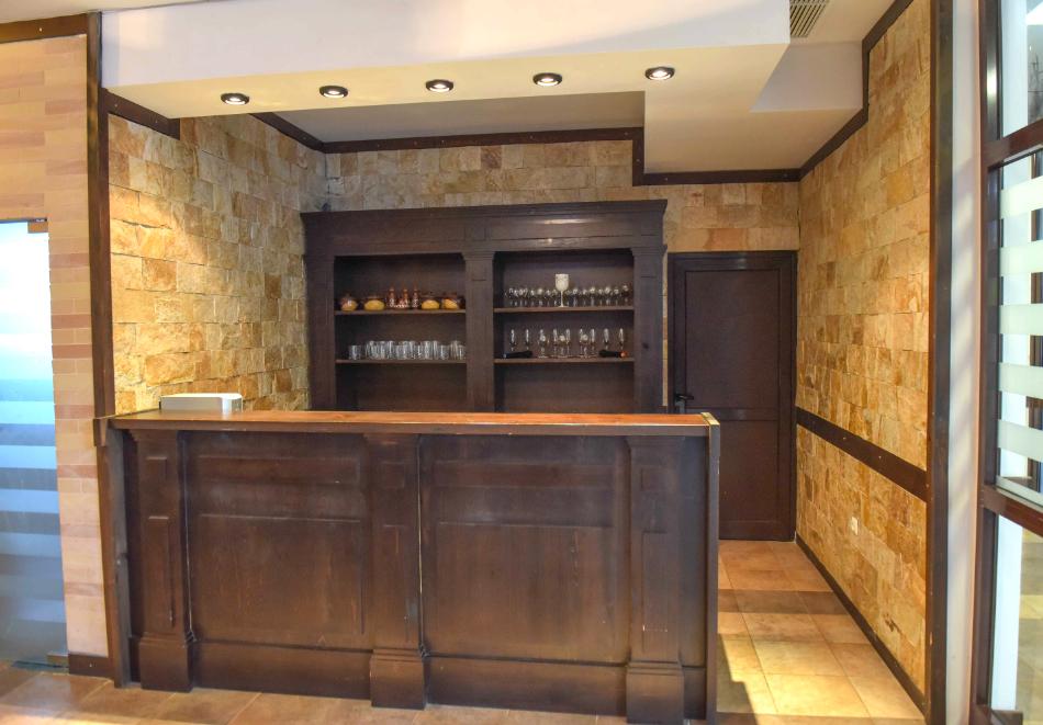 Нощувка със закуска и вечеря на човек + отопляем вътрешен басейн и релакс зона от хотел Роял Банско Апартмънтс. Дете до 12г. - безплатно!, снимка 18