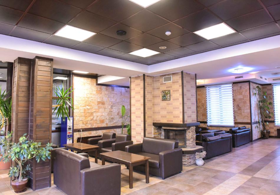 Нощувка със закуска и вечеря на човек + отопляем вътрешен басейн и релакс зона от хотел Роял Банско Апартмънтс. Дете до 12г. - безплатно!, снимка 15