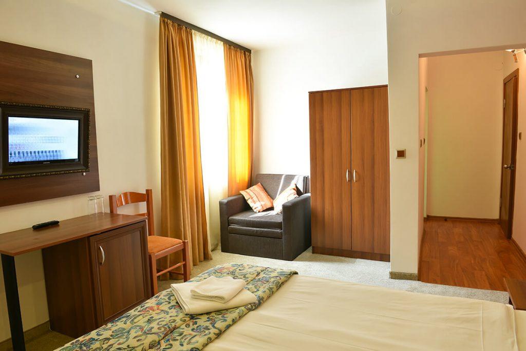 8-ми декември в Банско! 2 нощувки на човек със закуски и вечери + релакс зона в хотел Ротманс***, Банско, снимка 16