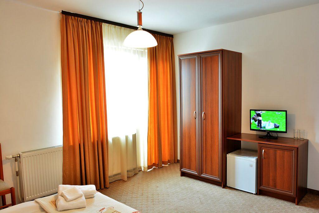 Великден в Банско! 3 нощувки на човек със закуски и вечери, едната празнична + сауна и парна баня в хотел Ротманс***, снимка 16
