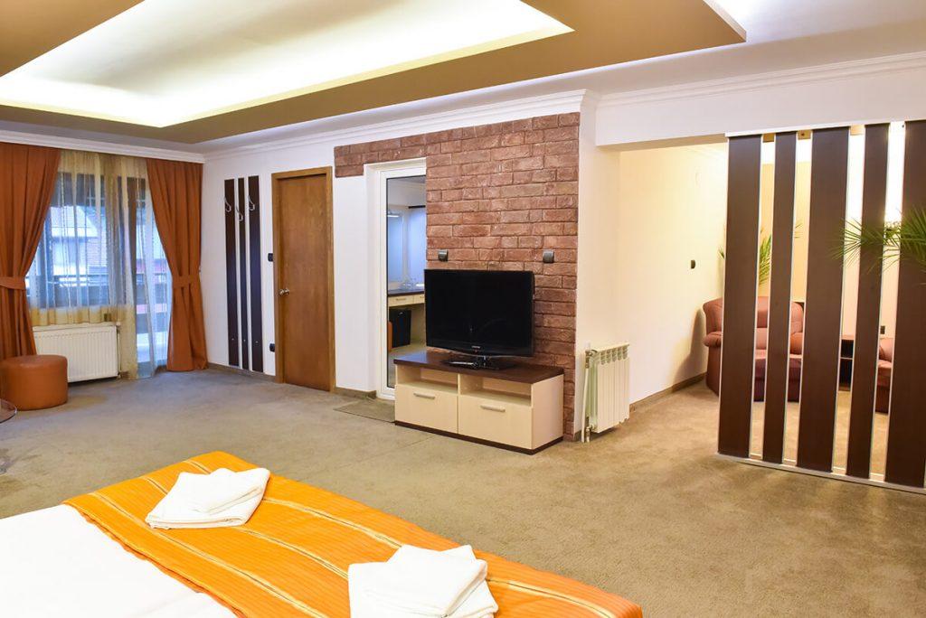 Великден в Банско! 3 нощувки на човек със закуски и вечери, едната празнична + сауна и парна баня в хотел Ротманс***, снимка 12