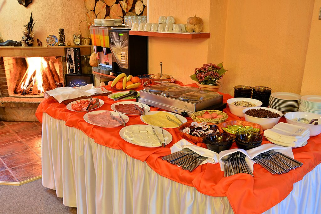 Великден в Банско! 3 нощувки на човек със закуски и вечери, едната празнична + сауна и парна баня в хотел Ротманс***, снимка 4
