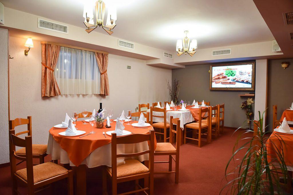 Великден в Банско! 3 нощувки на човек със закуски и вечери, едната празнична + сауна и парна баня в хотел Ротманс***, снимка 5