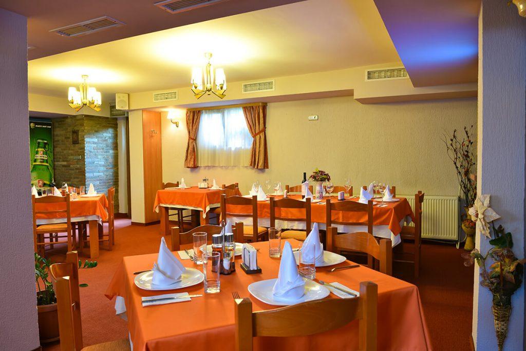 8-ми декември в Банско! 2 нощувки на човек със закуски и вечери + релакс зона в хотел Ротманс***, Банско, снимка 5