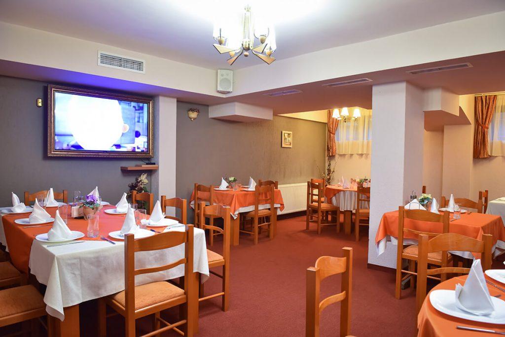Великден в Банско! 3 нощувки на човек със закуски и вечери, едната празнична + сауна и парна баня в хотел Ротманс***, снимка 8