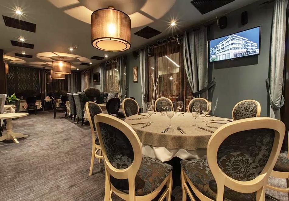 Нова година в Банско! 3 нощувки на човек със закуски + празнична вечеря, басейн и уелнес център  в бутиков хотел Орес*****, снимка 17