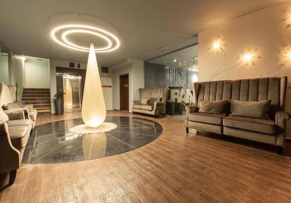 Нова година в Банско! 3 нощувки на човек със закуски + празнична вечеря, басейн и уелнес център  в бутиков хотел Орес*****, снимка 4
