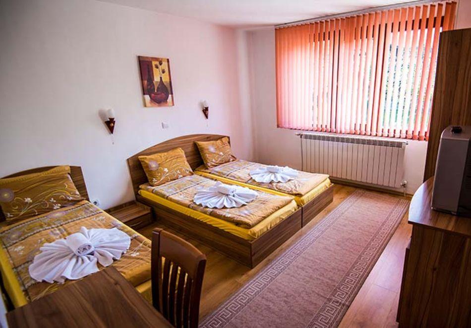 2 или 3 нощувки на човек в къща за гости Виен, Банско, снимка 8