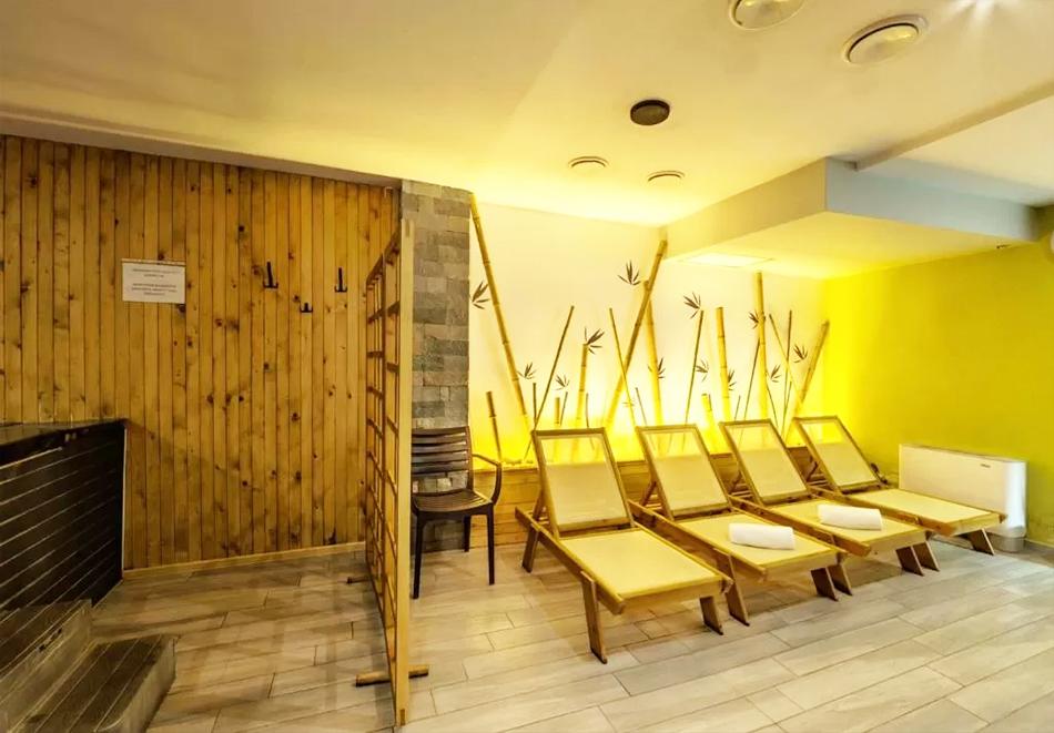 Нощувка на човек със закуска и вечеря + външен топъл минерален басейн и релакс зона от хотел Бохема***, Огняново, снимка 7