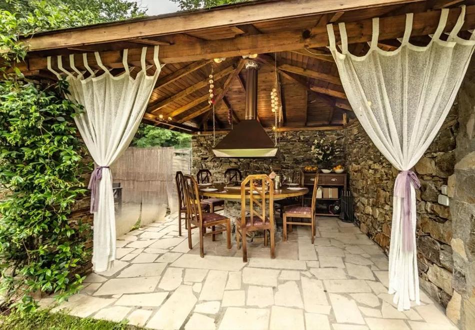 Нощувка на човек със закуска и вечеря + външен топъл минерален басейн и релакс зона от хотел Бохема***, Огняново, снимка 19
