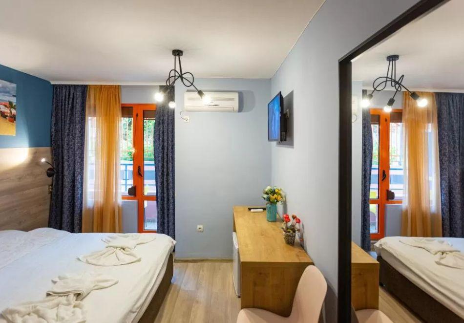 Нощувка на човек + сауна в Семеен Хотел Джемелли, Обзор, снимка 7