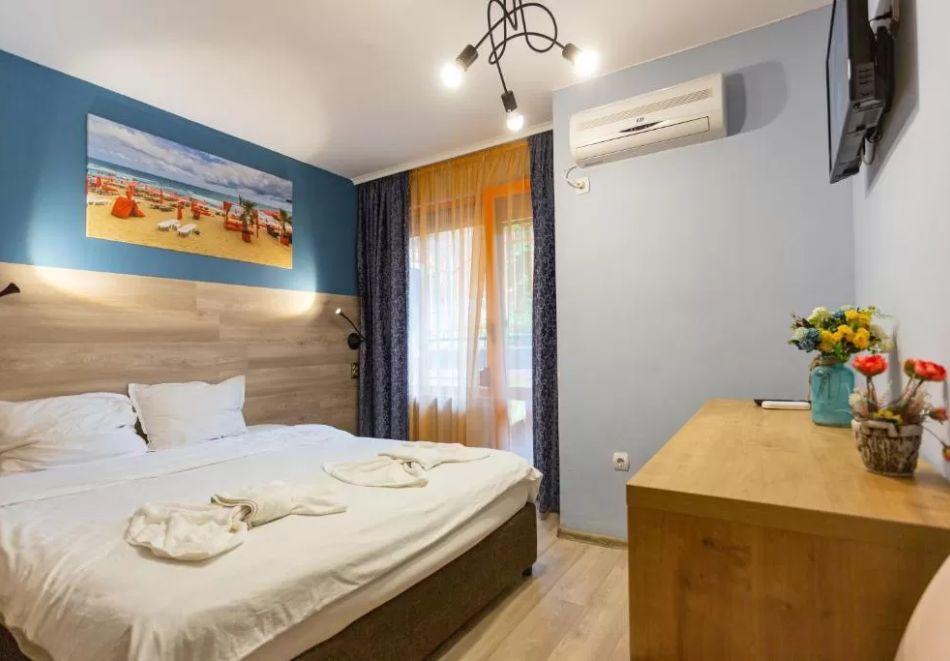 Нощувка на човек + сауна в Семеен Хотел Джемелли, Обзор, снимка 5