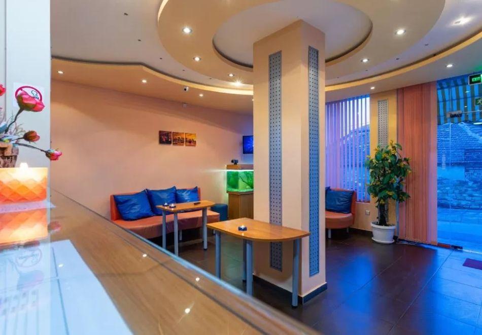 Нощувка на човек + сауна в Семеен Хотел Джемелли, Обзор, снимка 18