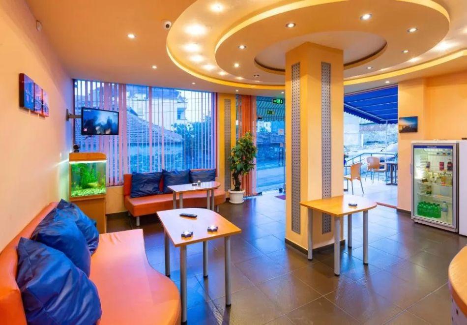 Нощувка на човек + сауна в Семеен Хотел Джемелли, Обзор, снимка 10