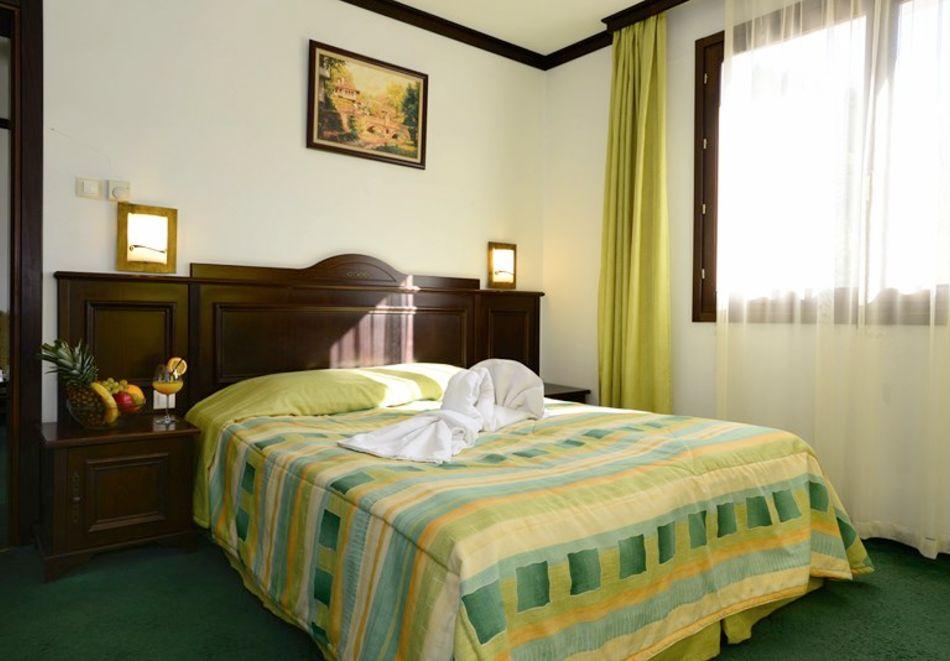 1 или 2 нощувки на човек със закуски + минерален басейн и релакс зона в обновения хотел Алфарезорт Палас, Чифлика, снимка 11