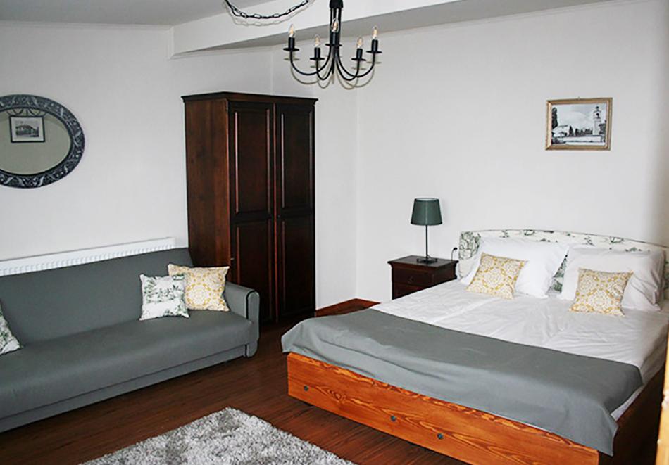 Януари - Март в Банско! 1 нощувка в самостоятелна къща за 18 човека + механа от Къща за гости Клечерова, снимка 8