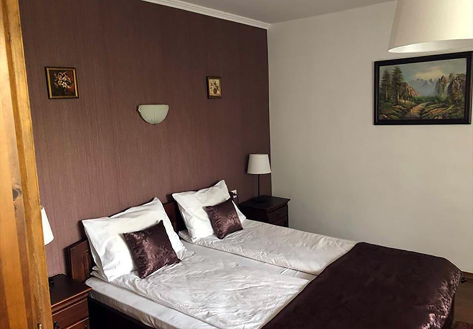 1 нощувка в самостоятелна къща до 18 човека и ползване на механа от Къща за гости Клечерова, Банско, снимка 9