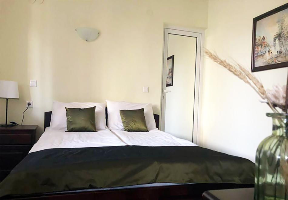 1 нощувка в самостоятелна къща до 18 човека и ползване на механа от Къща за гости Клечерова, Банско, снимка 8