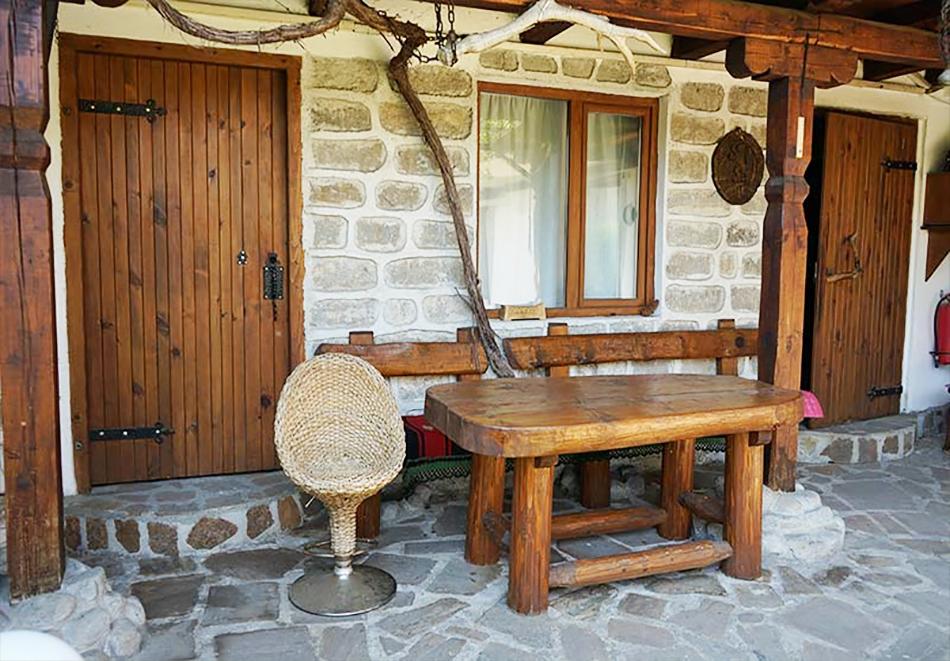1 нощувка в самостоятелна къща до 18 човека и ползване на механа от Къща за гости Клечерова, Банско, снимка 6