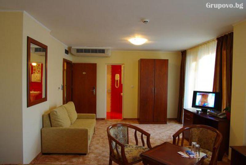 Нощувка на човек със закуска и вечеря в хотел Елена, Велико Търново, снимка 6