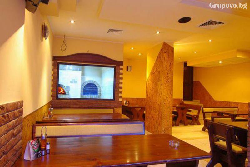 Нощувка на човек със закуска и вечеря в хотел Елена, Велико Търново, снимка 10